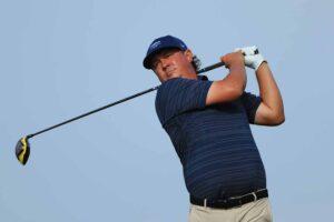 Jason Dufner playing golf