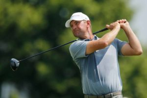 Lucas Glover playing golf